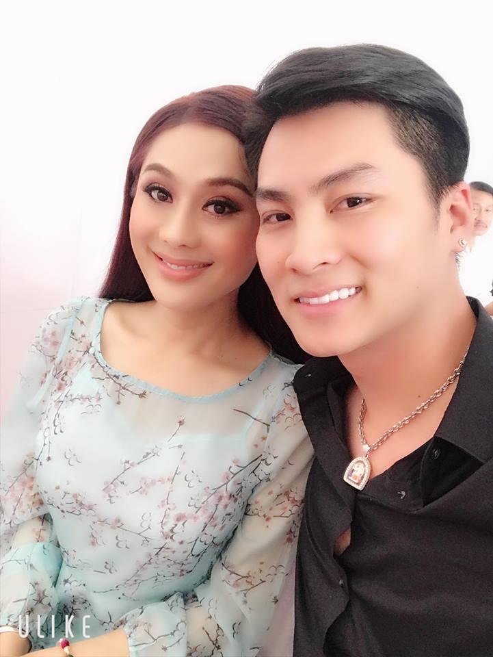 Hơn 1 năm kết hôn, chồng Lâm Khánh Chi mới dám khẳng định tình yêu của mình là điều 'lạ kì' - Ảnh 4
