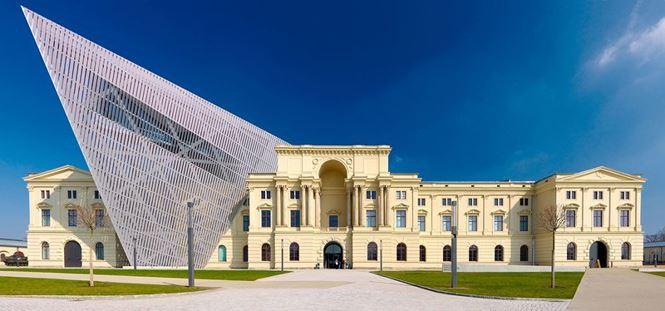 Chiêm ngưỡng vẻ đẹp tuyệt mỹ của 9 công trình lịch sử sau cải tạo - Ảnh 4