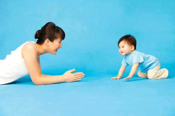 Con bạn có phải là một đứa trẻ chậm biết đi? - Ảnh 4