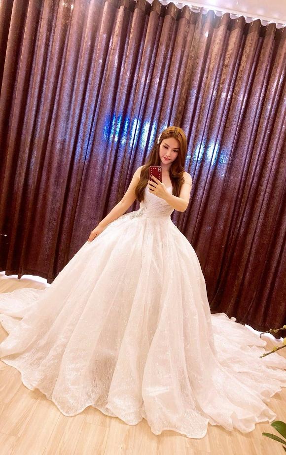 2 năm sau ly hôn, Thu Thủy lộ ảnh thử váy cưới, rộ tin sắp lấy chồng lần hai? - Ảnh 6
