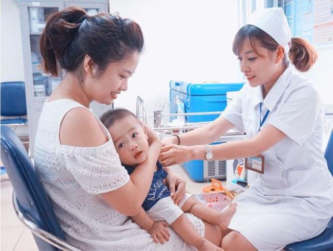 Lịch tiêm phòng cho trẻ sơ sinh năm 2019 và những thay đổi các mẹ bỉm sữa nên biết và tham khảo - Ảnh 3