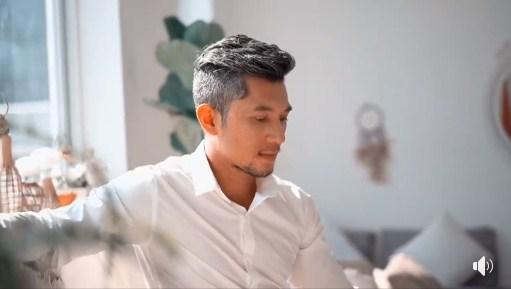 'Dao kéo' ở tuổi 37, Lương Bằng Quang lột xác đến ngỡ ngàng, gương mặt thay đổi khó nhận ra - Ảnh 1