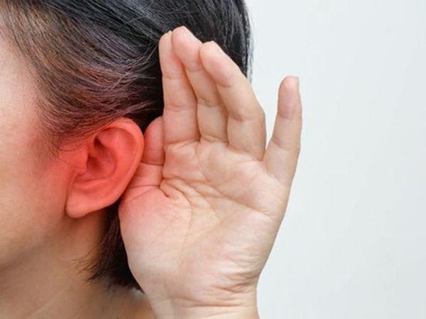 Người phụ nữ đột nhiên bị ù tai, đi khám mới ngỡ ngàng phát hiện bị ung thư - Ảnh 1