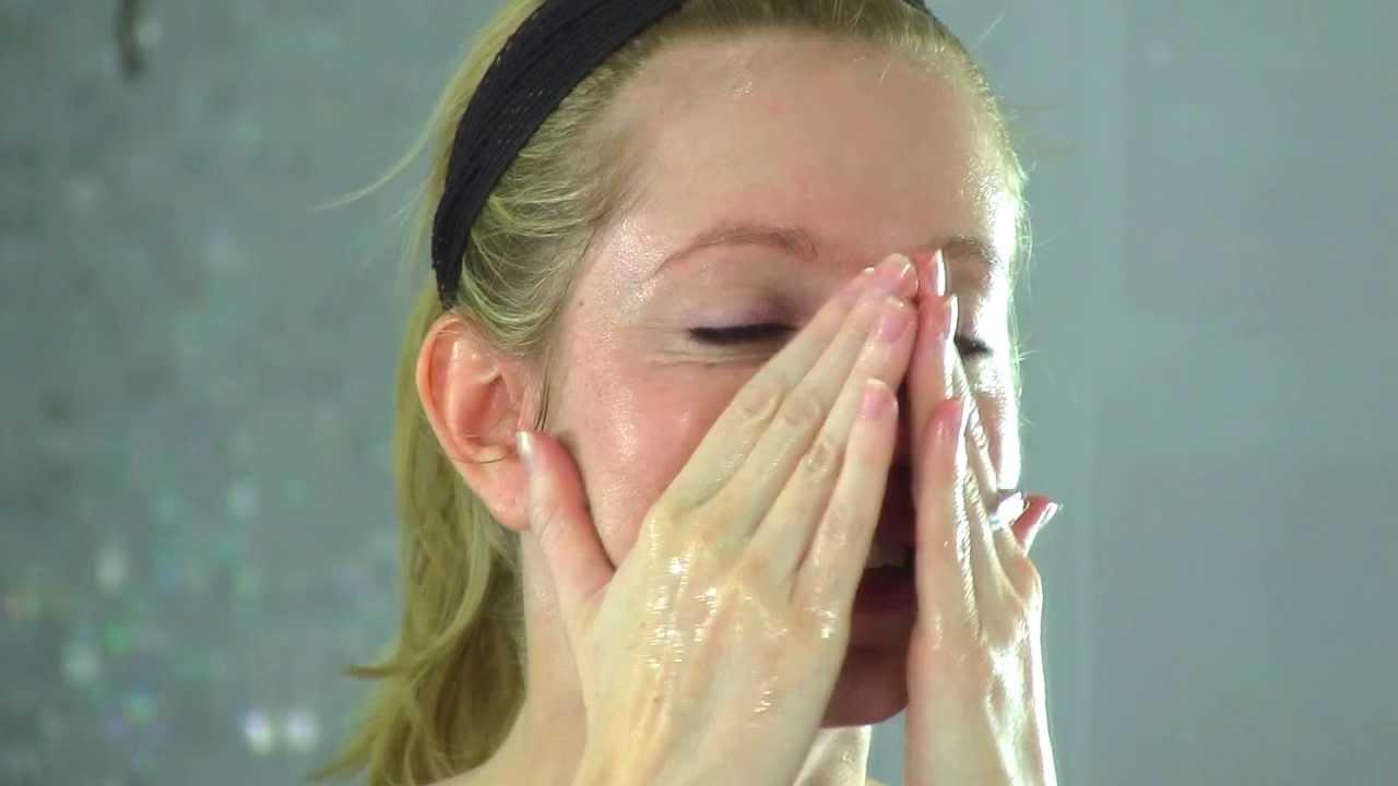 Thử dùng tinh dầu để rửa mặt vào buổi sáng và tối, cô gái bất ngờ vì mụn trứng cá giảm hẳn, làn da trắng hồng và căng mịn chỉ sau 5 ngày - Ảnh 2
