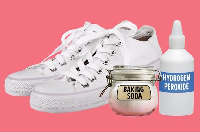 Cần gì ra tiệm, chỉ với 15 mẹo vặt này, giày của bạn sẽ luôn thơm tho và sáng bóng như mới - Ảnh 5