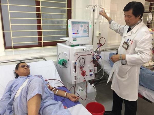 Vụ 8 người chạy thận tử vong: Đề nghị toà tuyên bác sĩ Hoàng Công Lương vô tội - Ảnh 1