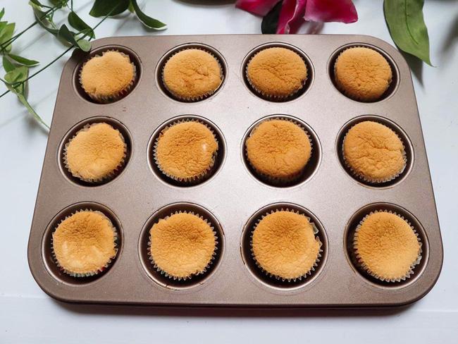 Nghỉ lễ trổ tài làm bánh cupcake đẹp lộng lẫy mà không khó chút nào! - Ảnh 5