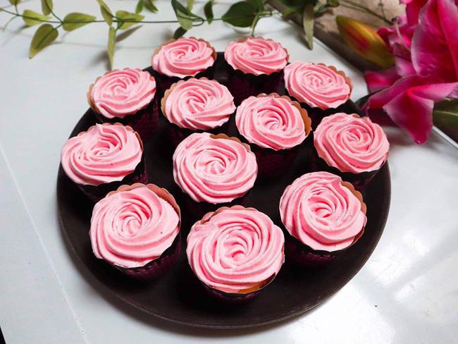 Nghỉ lễ trổ tài làm bánh cupcake đẹp lộng lẫy mà không khó chút nào! - Ảnh 6