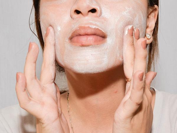Lỗ chân lông to thấy rõ trên da mặt nếu bạn cứ vô tư làm những điều này - Ảnh 2