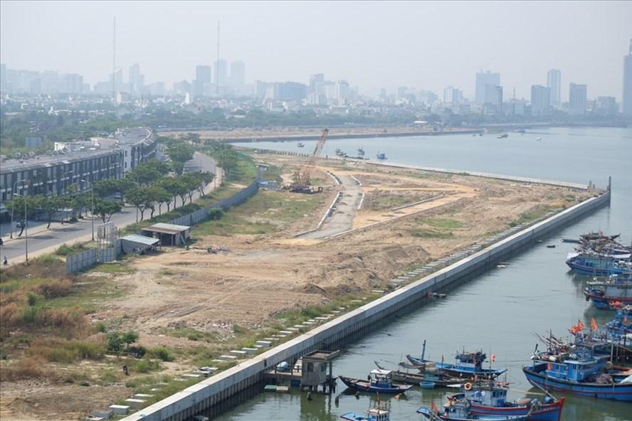 Đà Nẵng bỏ toàn bộ nhà cao tầng tại 2 dự án ven sông Hàn - Ảnh 1