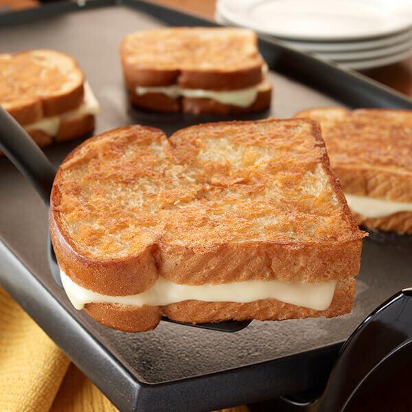 Bánh mì phô mai nướng ngon, dinh dưỡng cho mẹ bầu