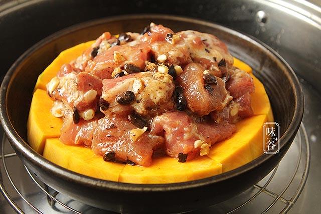 Bí đỏ hấp thịt, món ăn nhìn rất sang chảnh nhưng lại cực kỳ dễ làm - Ảnh 6