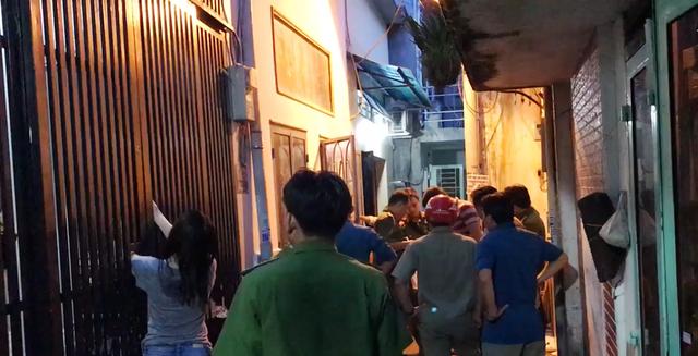 Hoàn cảnh bi đát của 7 bà cháu bị ngạt khí ở Sài Gòn: Vợ chồng già nuôi nhiều cháu nhỏ, không đóng nổi tiền điện - Ảnh 2