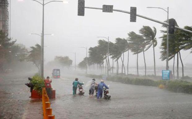 Bão số 1 Nuri giật cấp 11 trên biển, Hà Nội mưa to, nguy cơ ngập úng cao - Ảnh 1