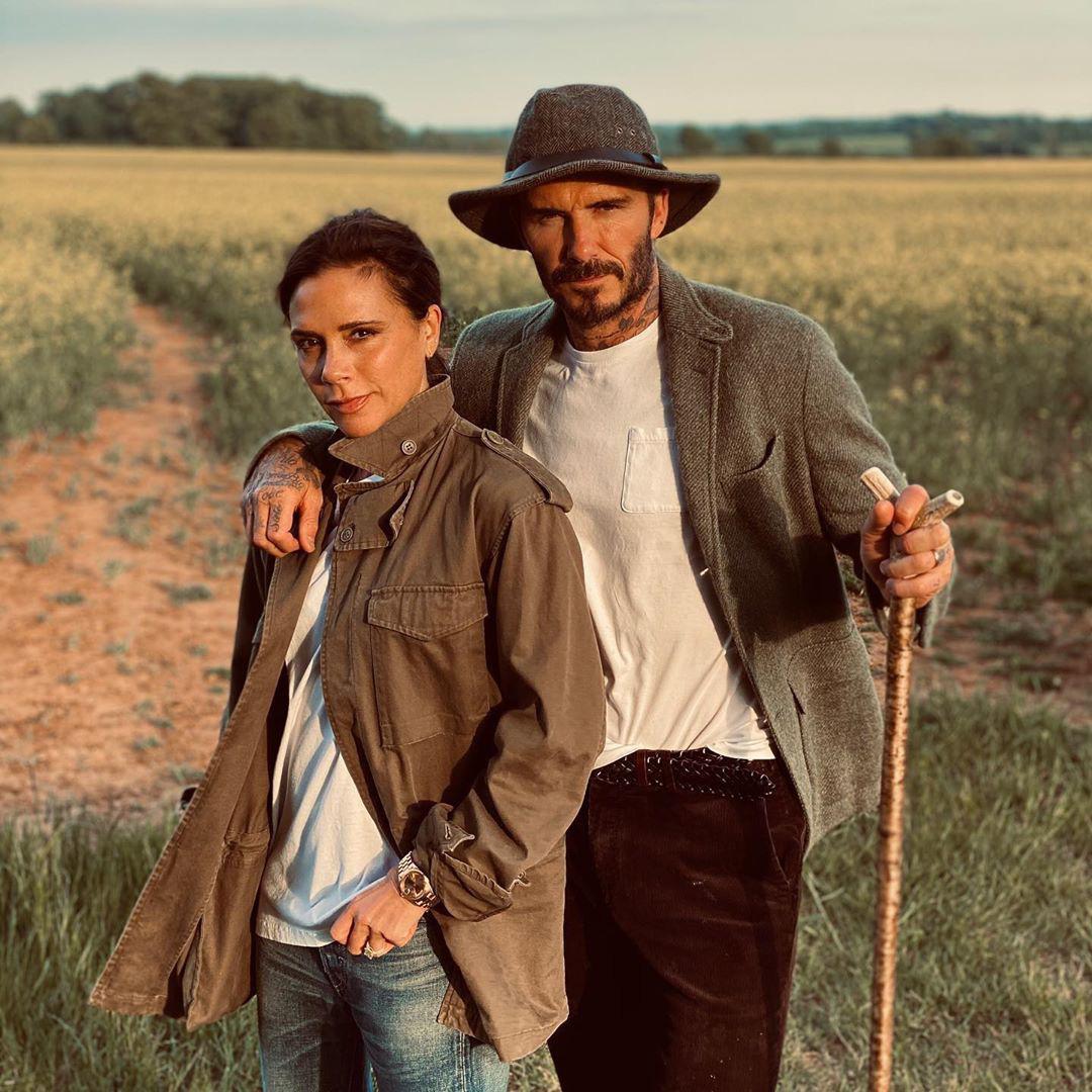 Bị bà xã chê bai ở khâu chọn mũ, David Beckham quyết tâm thay đổi phong cách, nhận về luôn 2 triệu lượt thả tim - Ảnh 2