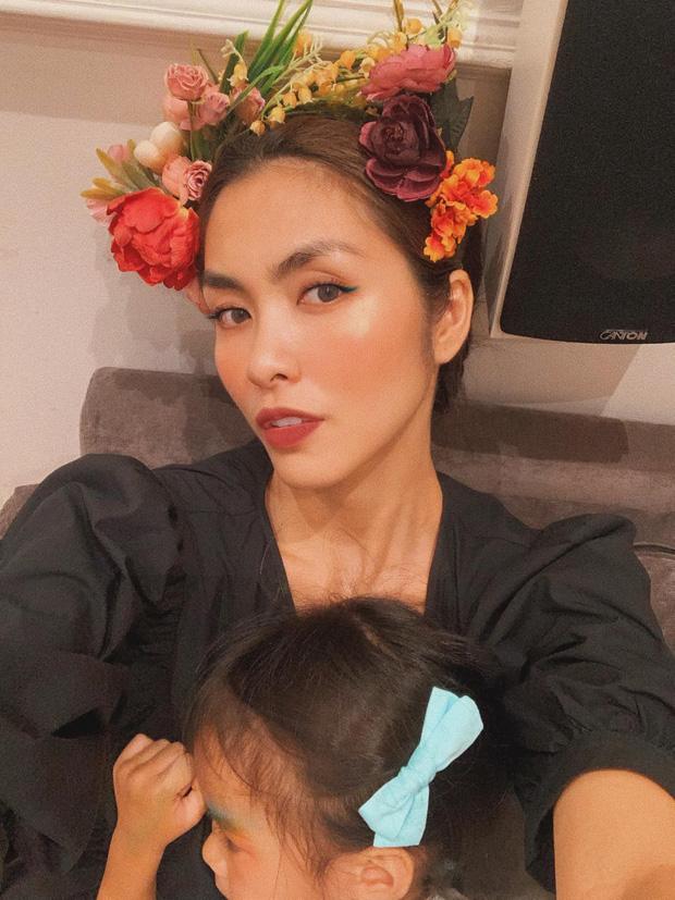 """Công chúa nhỏ nhà Hà Tăng mới 3 tuổi đã biết viết chữ và làm thiệp tặng bố khiến mẹ phải thốt lên: """"Hãnh diện quá"""" - Ảnh 4"""