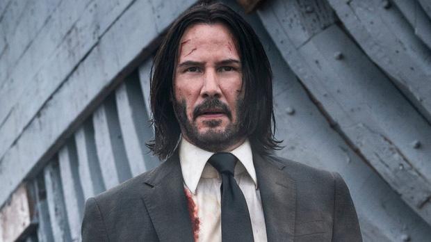 Rầm rộ tin Angelina Jolie hẹn hò tài tử 'Ma Trận', tiếp cận cả mẹ tình mới vì lâu lắm mới mê một người đàn ông đến vậy sau Brad Pitt? - Ảnh 2