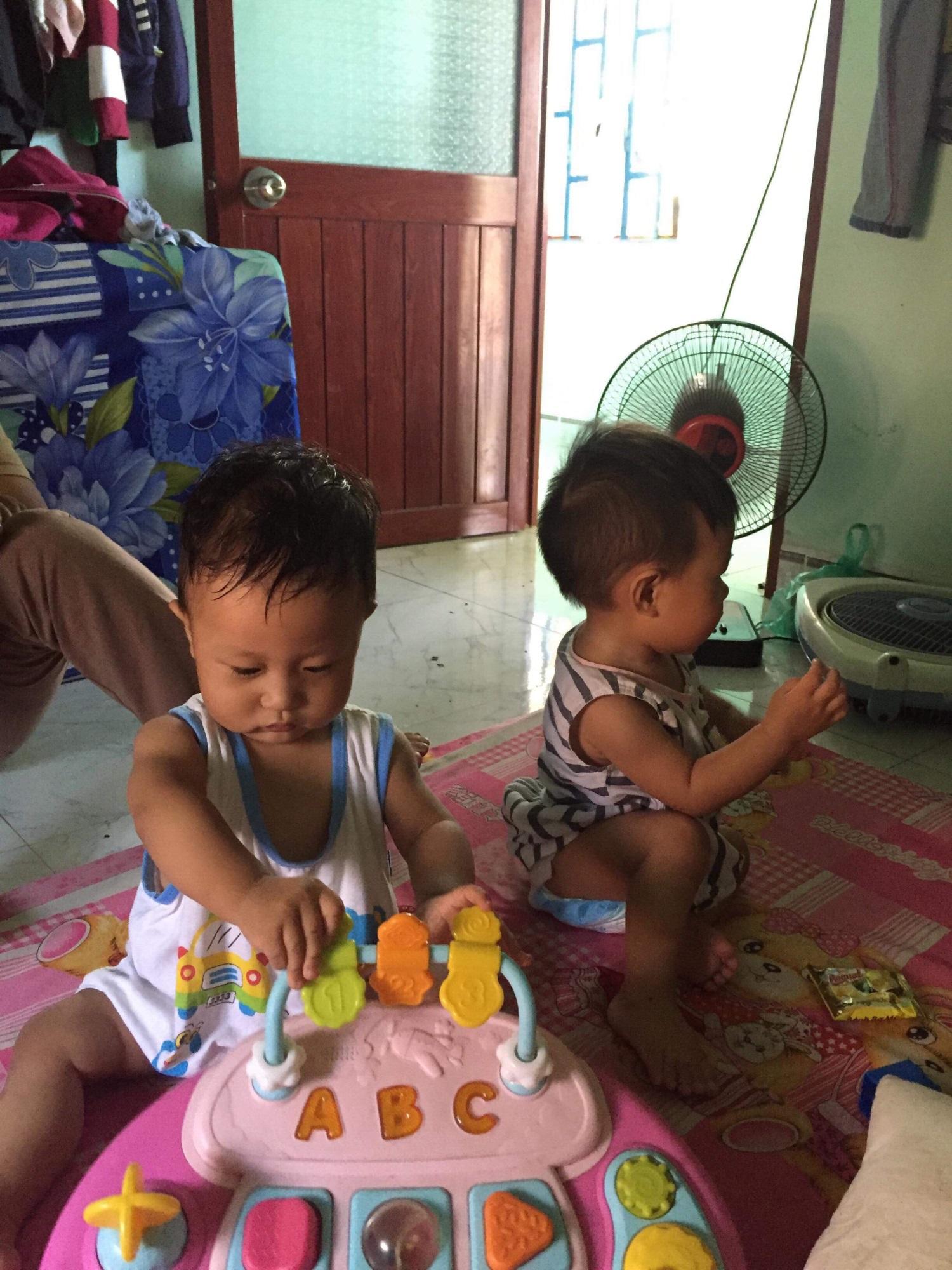 Số phận bất hạnh của cặp song sinh chào đời bằng phương pháp thụ tinh nhân tạo, chưa đầy một năm đã mồ côi mẹ - Ảnh 4