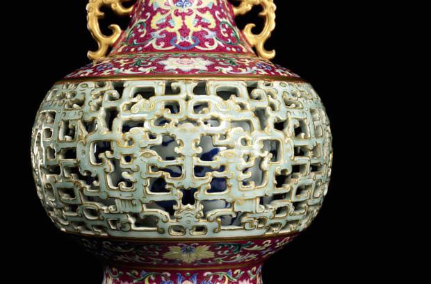 Báu vật bị lãng quên của vua Càn Long được tìm thấy ở nơi chó mèo sống, mua chỉ hơn 1 triệu đồng nhưng bán ra với giá gấp 200.000 lần - Ảnh 2
