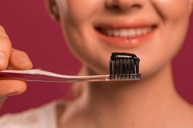 4 lợi ích làm đẹp khiến bạn nhất định phải sử dụng bột than hoạt tính - Ảnh 3