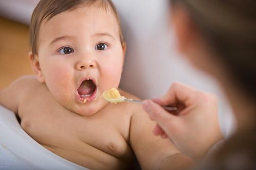 Cho bé ăn trứng vịt lộn như thế nào là hợp lý và bổ dưỡng nhất? - Ảnh 4