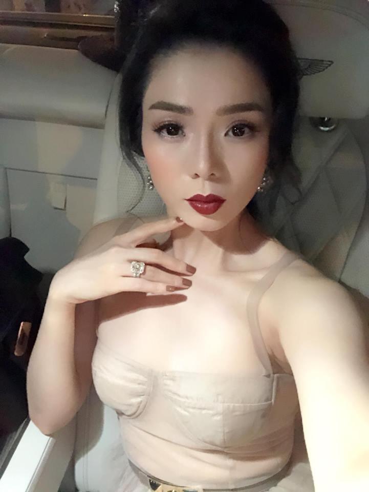 Hoa hậu Hà Kiều Anh, Lệ Quyên xinh đẹp đọ sắc, ai gợi cảm hơn? - Ảnh 7