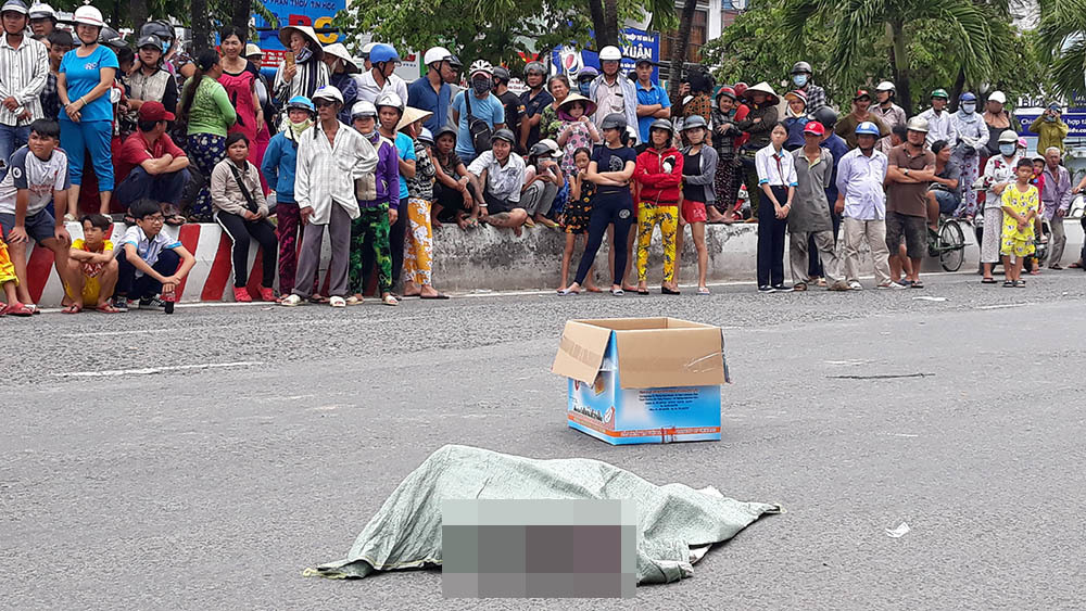 Danh tính người phụ nữ làm rơi túi chứa xác thai nhi xuống đường ở Kiên Giang - Ảnh 1