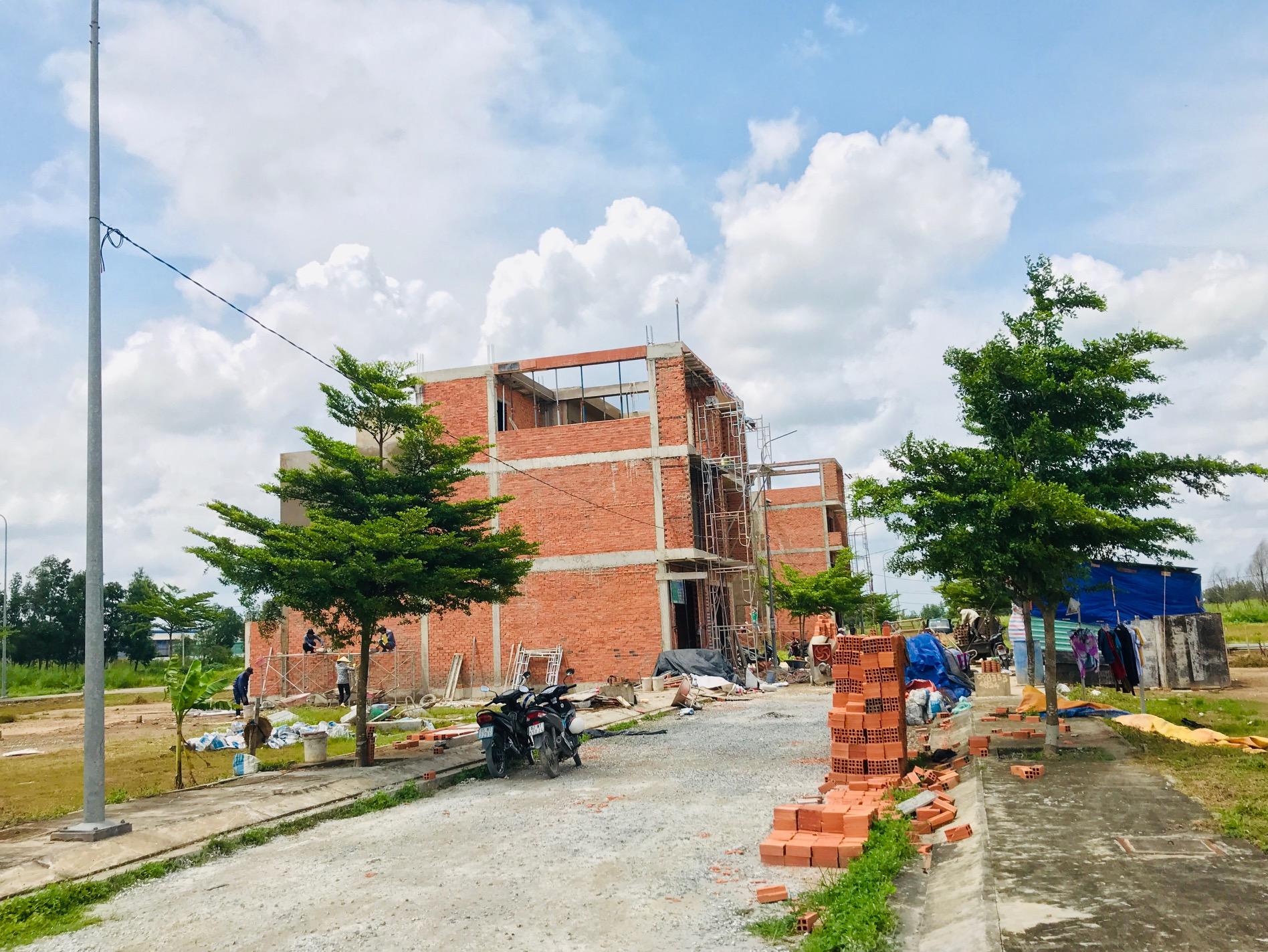 """Huyện Bình Chánh vào cuộc vụ đất KCN An Hạ nghi bị """"xẻ thịt"""" phân lô, bán nền - Ảnh 2"""