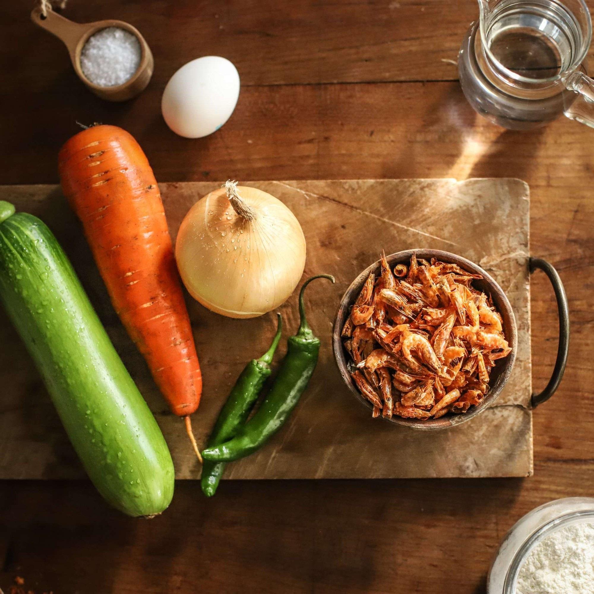 Học người Hàn cách làm bánh tôm dễ như ăn kẹo mà ngon lạ thử một lần là mê - Ảnh 1
