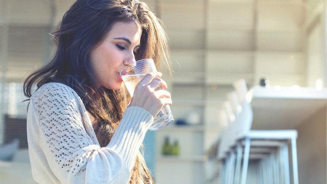 Ít người biết 4 thời điểm bổ sung nước mang lại lợi ích vàng cho cơ thể - Ảnh 3