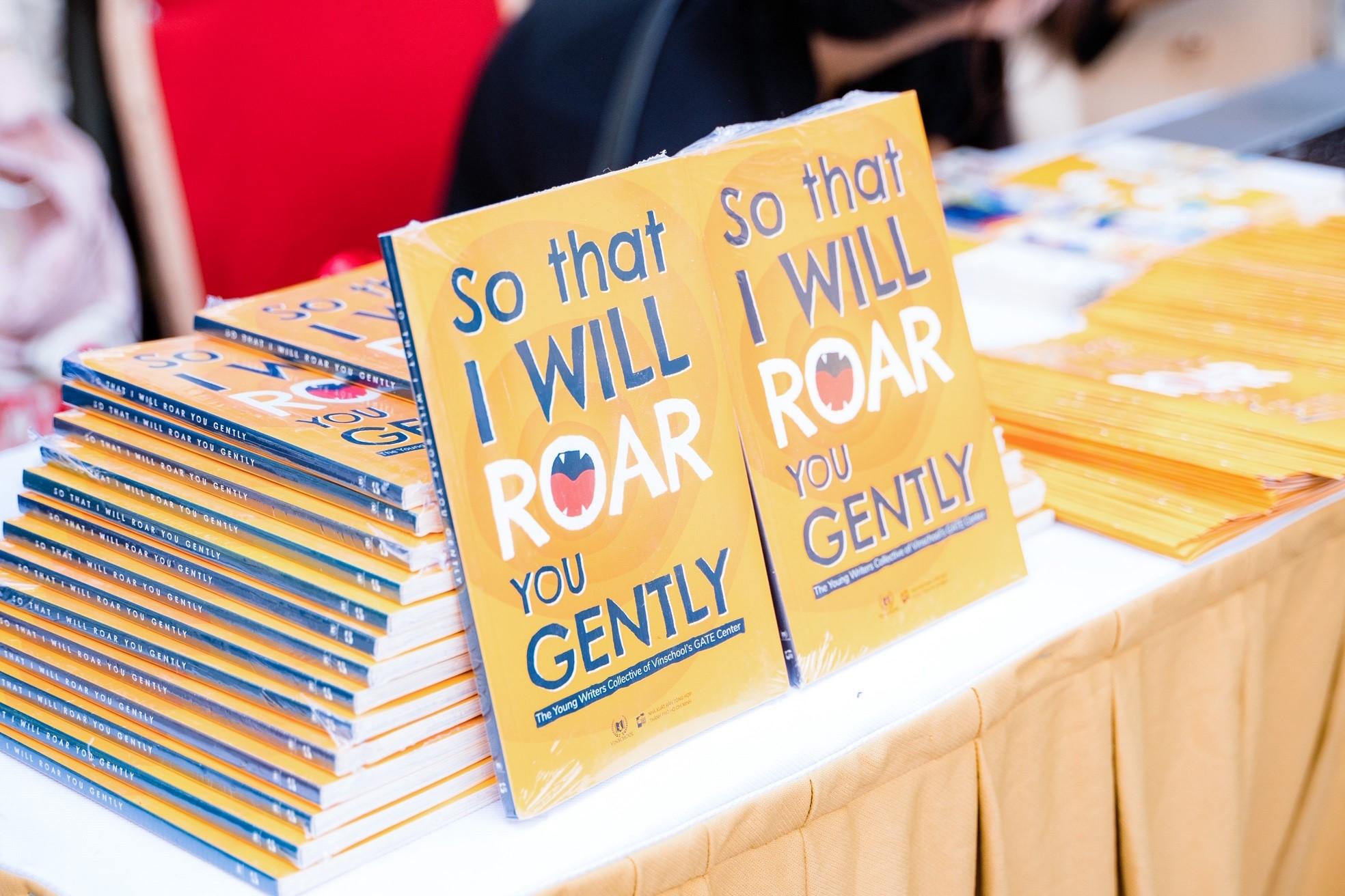 Ra mắt cuốn sách đầu tay được viết bằng tiếng Anh của học sinh Vinschool - Ảnh 1
