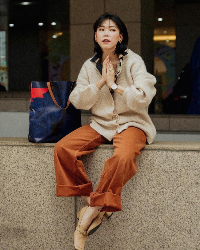 Tham khảo ngay 12 set đồ đón gió mùa về từ các quý cô Châu Á - Ảnh 9