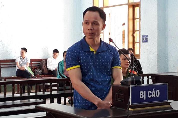 Giả vờ hỏi đường rồi hiếp dâm học sinh lớp 8, thầy giáo lĩnh án 8 năm 6 tháng tù - Ảnh 1