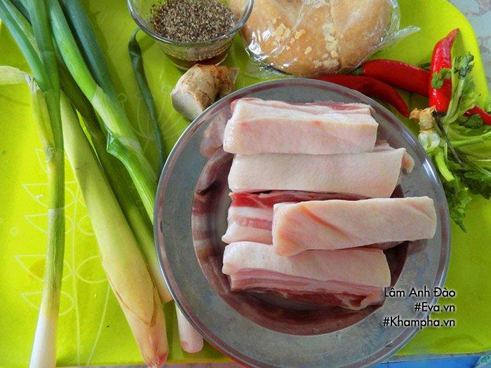 Thịt rim sả ớt đậm đà, mỗi người ăn 3-4 bát cơm chẳng có gì là lạ - Ảnh 1