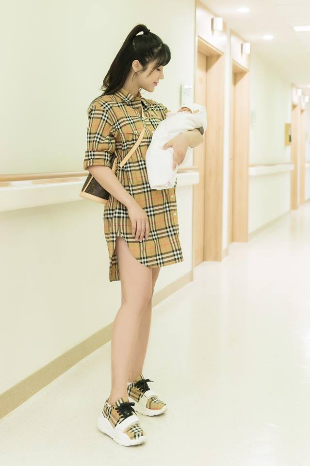 14 ngày sau sinh, Diệp Lâm Anh buồn lòng vì bụng vẫn bự như bầu 6 tháng - Ảnh 3