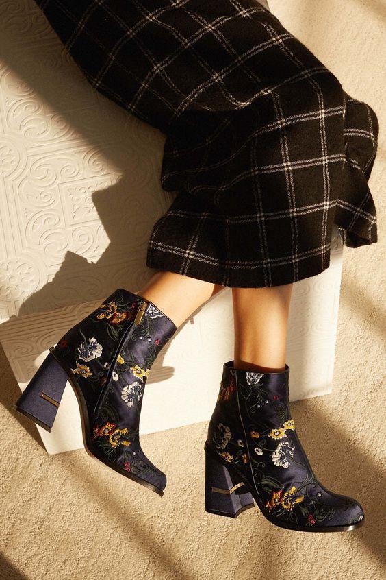 Đi tìm công thức chuẩn chỉnh mix đủ kiểu boots trong mùa lạnh này - Ảnh 15