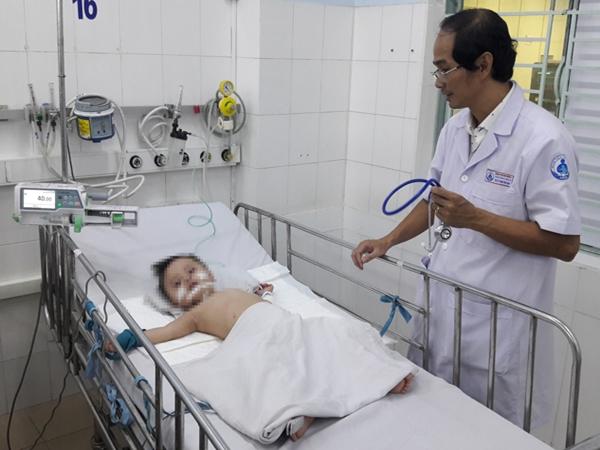 TP.HCM: Bệnh tay chân miệng giảm nhưng xuất hiện nhiều ca nguy kịch - Ảnh 1