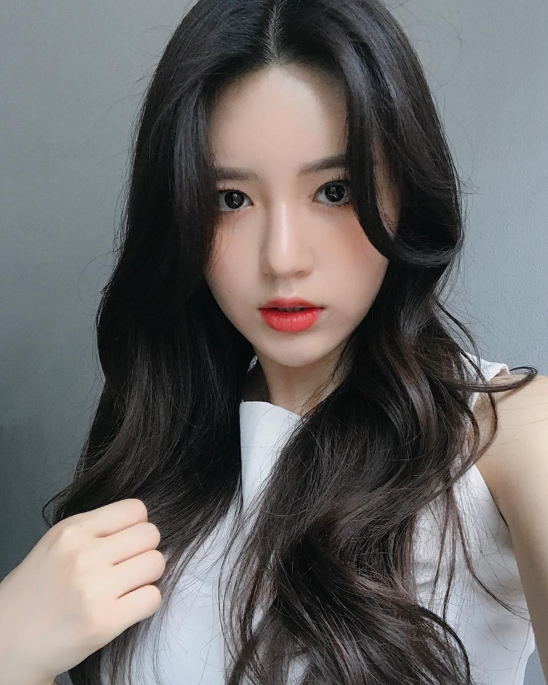 Cô nàng mặt tròn muốn thay đổi phong cách, hãy tham khảo 4 kiểu tóc thời thượng này - Ảnh 9