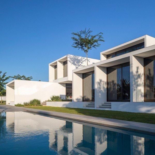 Độc đáo dinh thự trắng gần 1.000 m2 giữa thủ đô - Ảnh 3