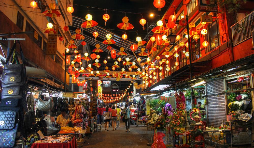 Khu phố người Hoa đậm không khí Giáng sinh an lành và ấm áp