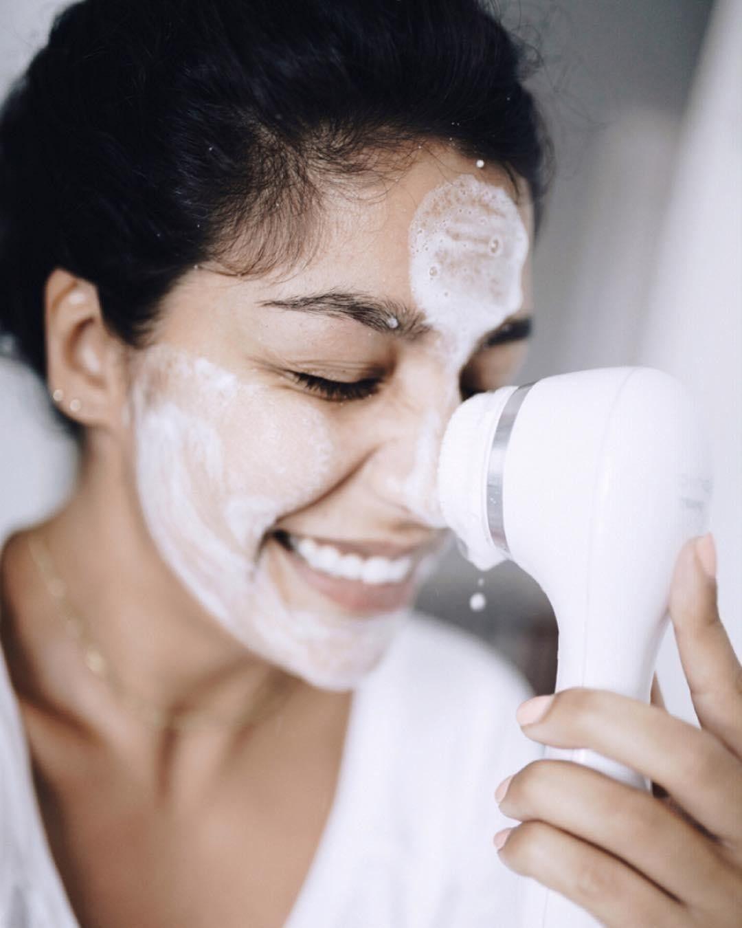 Phụ nữ nên nhớ làm 5 điều này trước khi đi ngủ để đẩy lùi tối đa lão hóa, duy trì nhan sắc trẻ trung - Ảnh 1