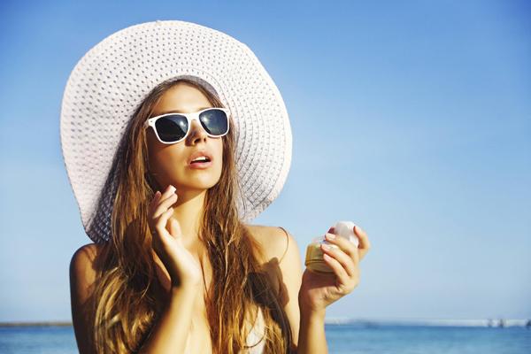 6 thói quen xấu khiến môi khô càng thêm khô - Ảnh 6