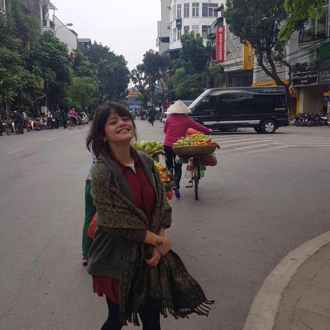 Cô gái Pháp về Việt Nam tìm cha chỉ với một bức ảnh duy nhất và cái kết ngọt ngào từ sự giúp đỡ của cộng đồng - Ảnh 3
