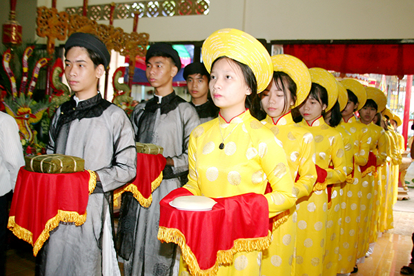 Các lễ vật dâng cúng trong ngày giỗ tổ Hùng Vương không thể thiếu bánh chưng, <a target='_blank' href='https://www.phunuvagiadinh.vn/banh-day.topic'>bánh dày</a>