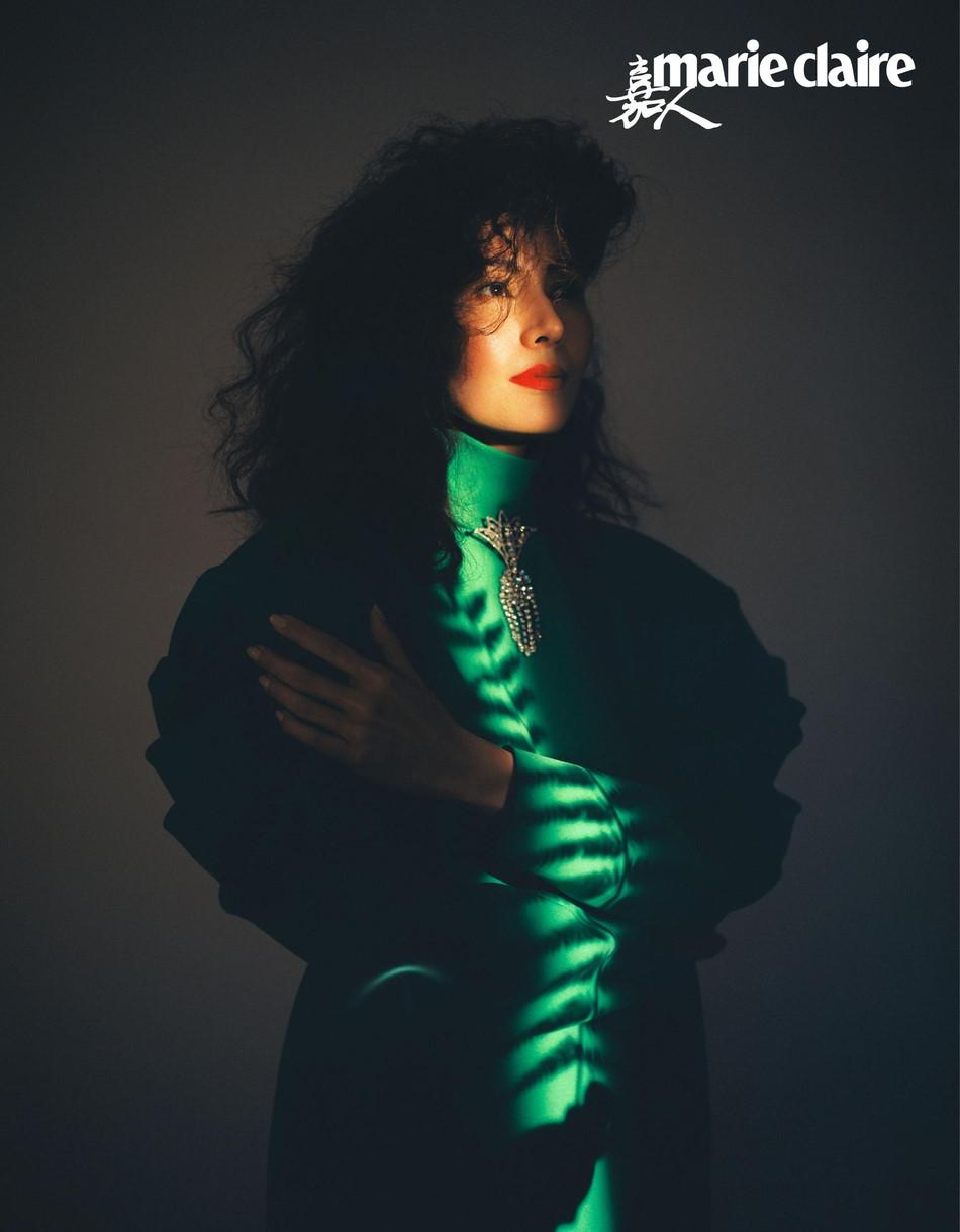Hoa hậu đẹp nhất Hong Kong khoe sắc theo phong cách thập niên 1980 - Ảnh 5