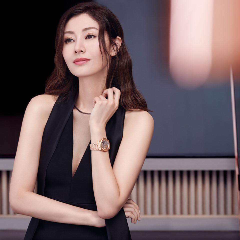 Hoa hậu đẹp nhất Hong Kong khoe sắc theo phong cách thập niên 1980 - Ảnh 7