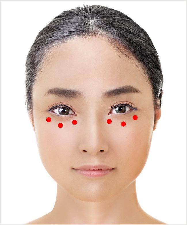Học phụ nữ Nhật ấn vào các điểm này quanh đôi mắt mỗi ngày, nếp nhăn, quầng thâm hay bọng mắt đều biến mất - Ảnh 4