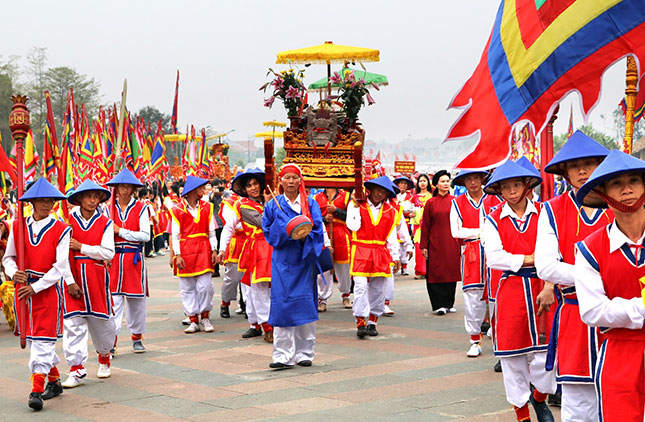 Lễ rước kiệu là một trong những nghi thức chính trong ngày giỗ tổ vua Hùng