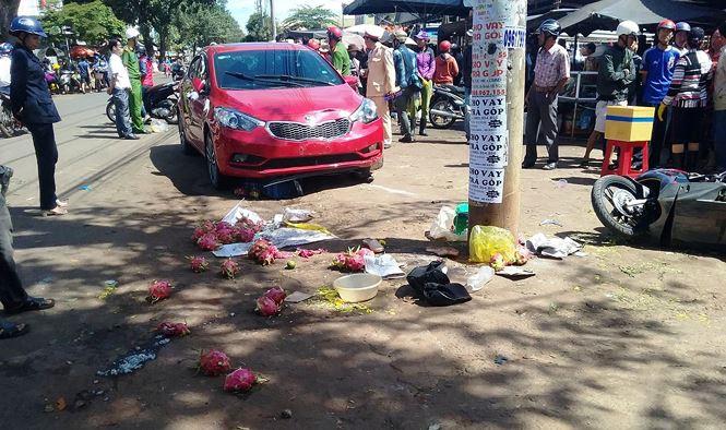 Cô gái tông 3 người thương vong giữa phố chợ bị khởi tố - Ảnh 1
