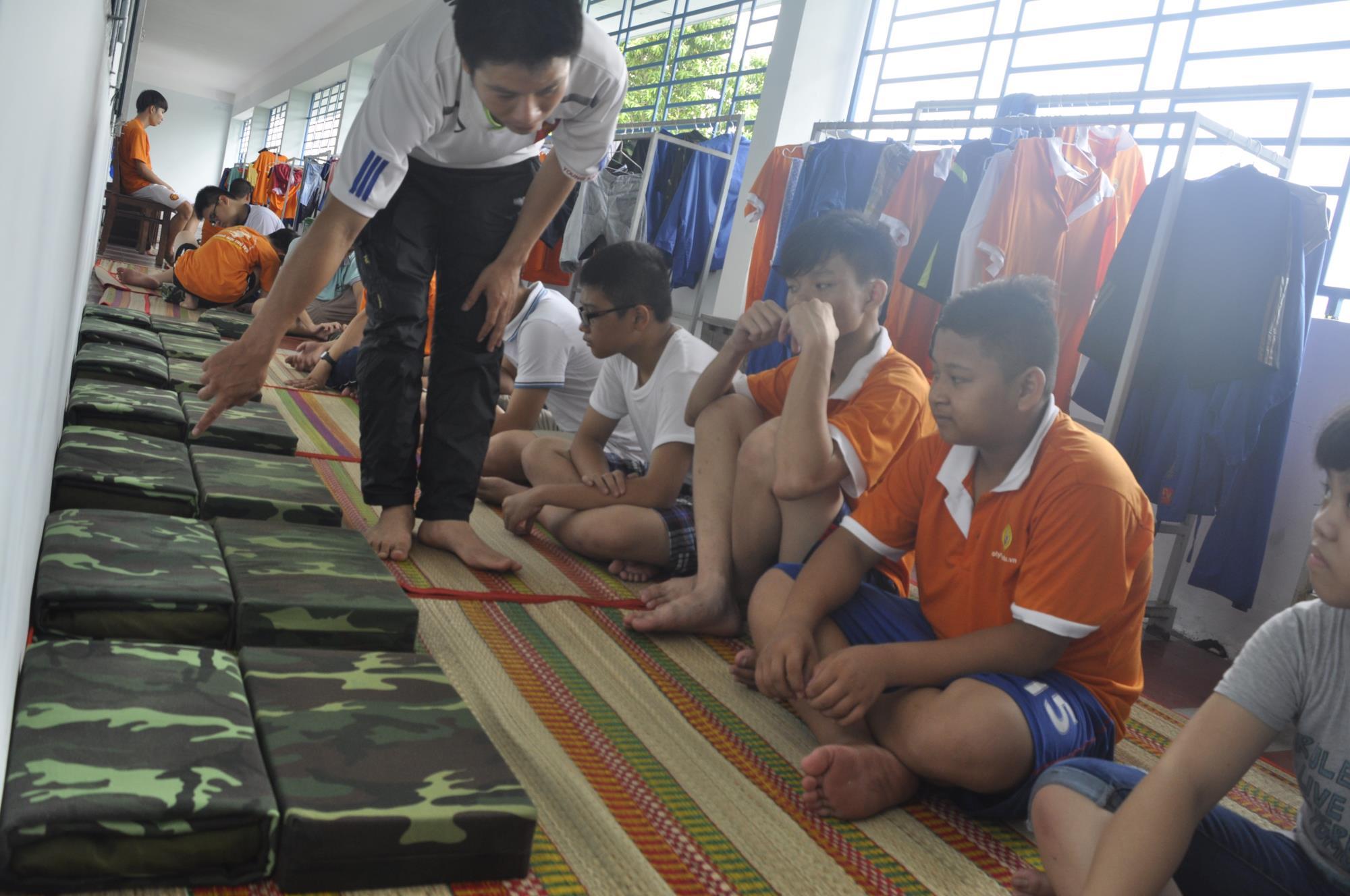 Ghé thăm ngôi trường kỳ lạ nhất Việt Nam: Mẹ rơi nước mắt khi thấy con thay đổi hoàn toàn - Ảnh 11